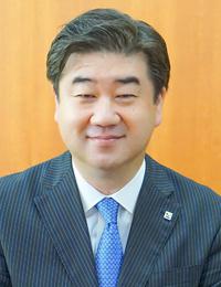 代表取締役 尾崎俊也